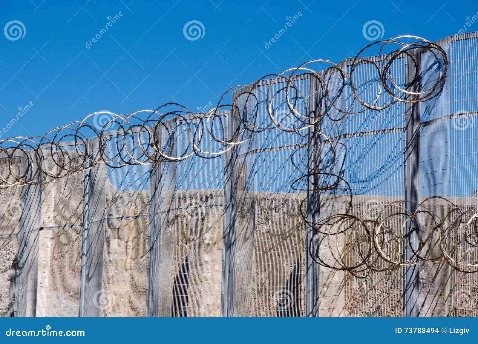Fremantle Prison\'s Razor Wire Editorial Stock Image - Image of sharp ...
