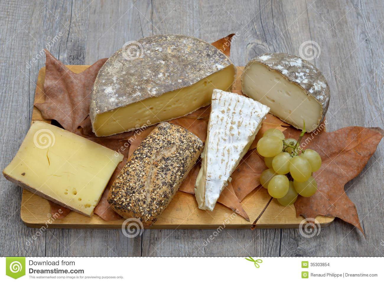 French Cheese Platter Stock Images - Image: 35303854