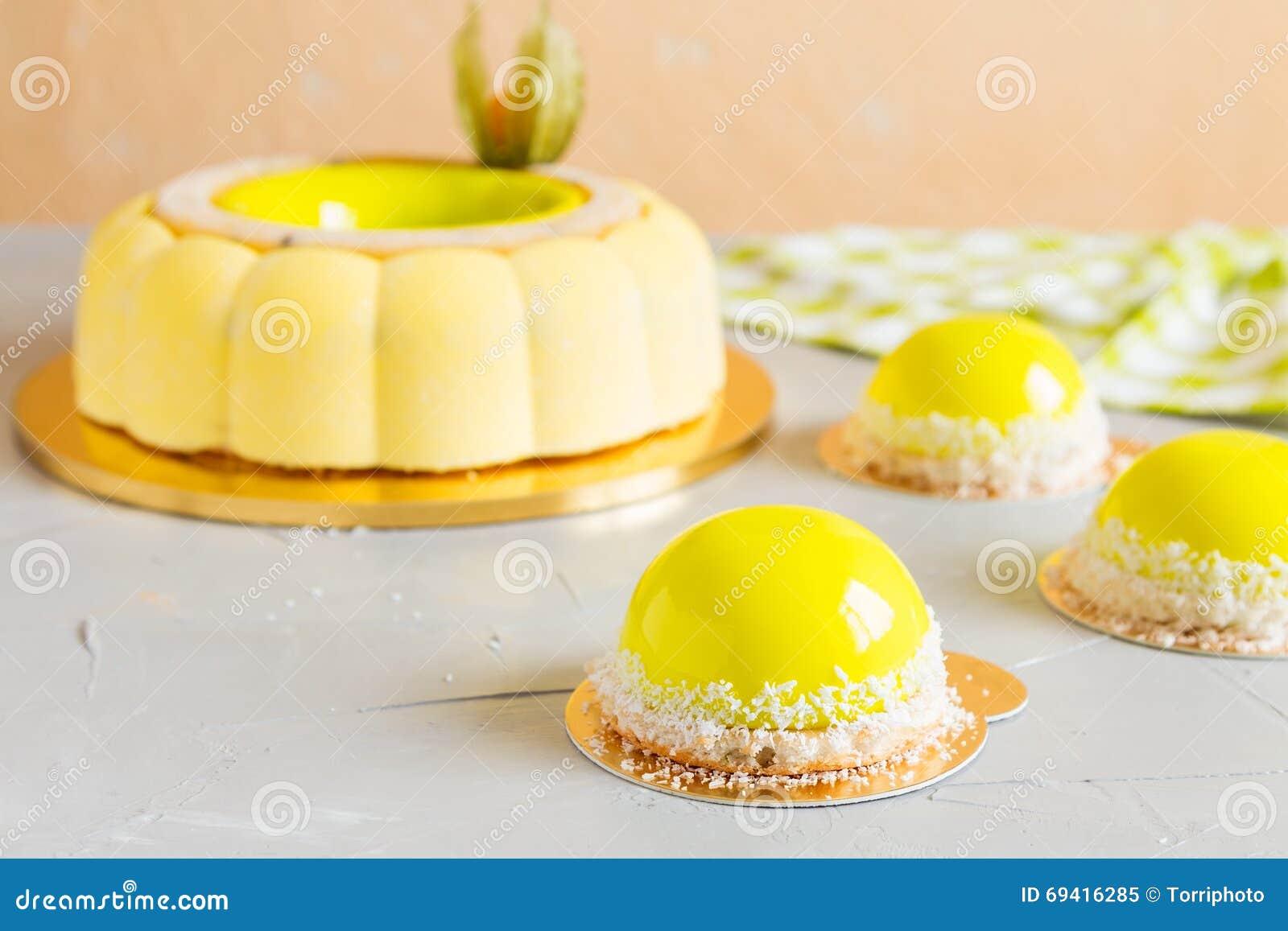Mirror Glaze Cake Lemon