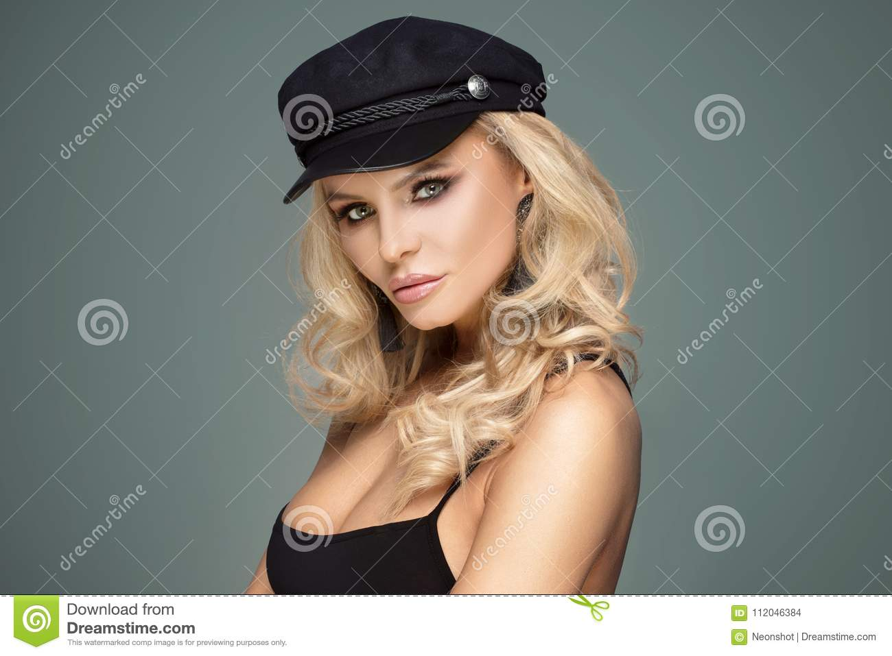 472f6298f04c1 French style female model posing in black beret. Blonde beautiful woman  with glamour makeup and long curly hair.