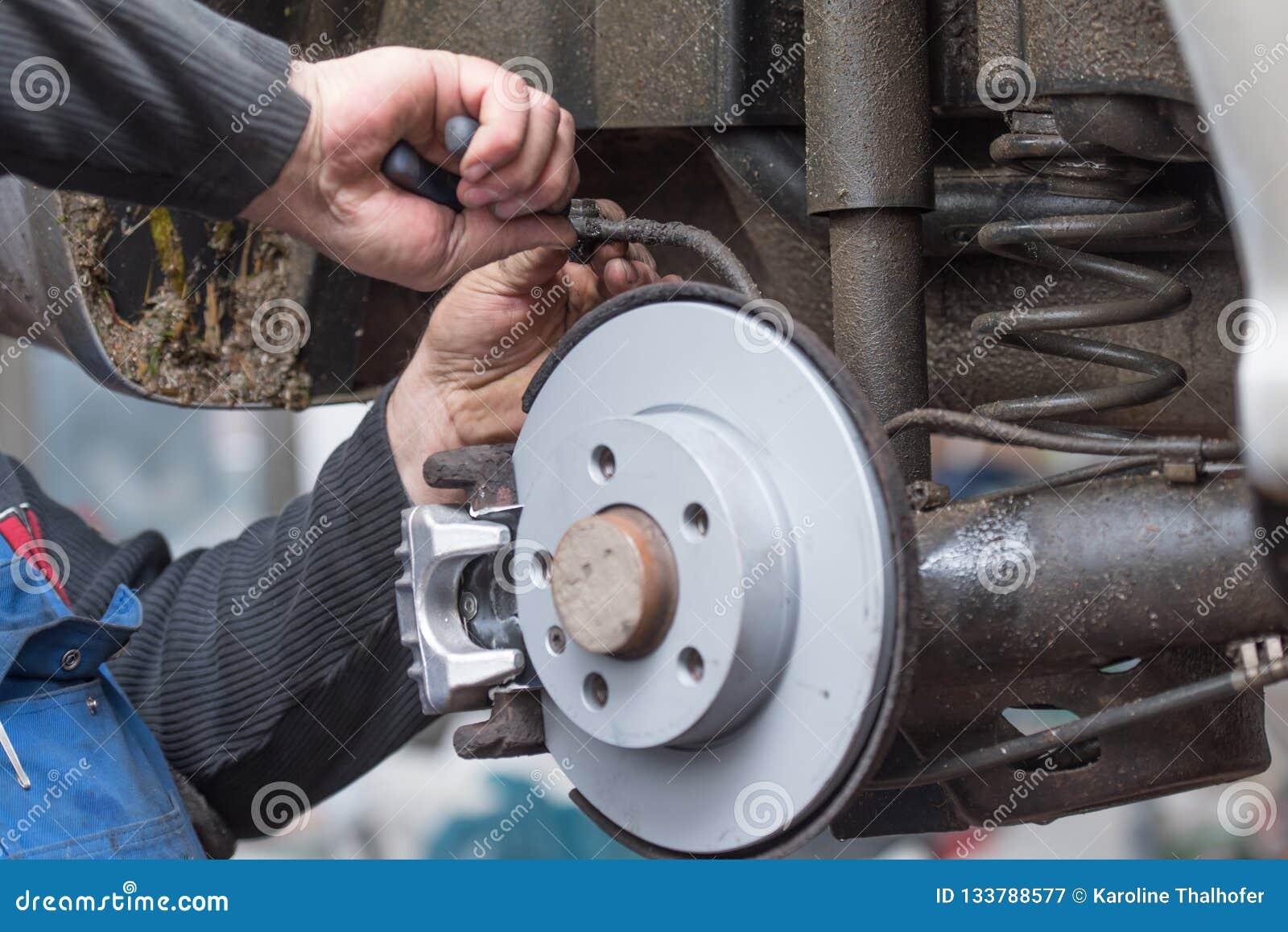 Freno de disco de la reparación - freno de mano, que se han substituido en