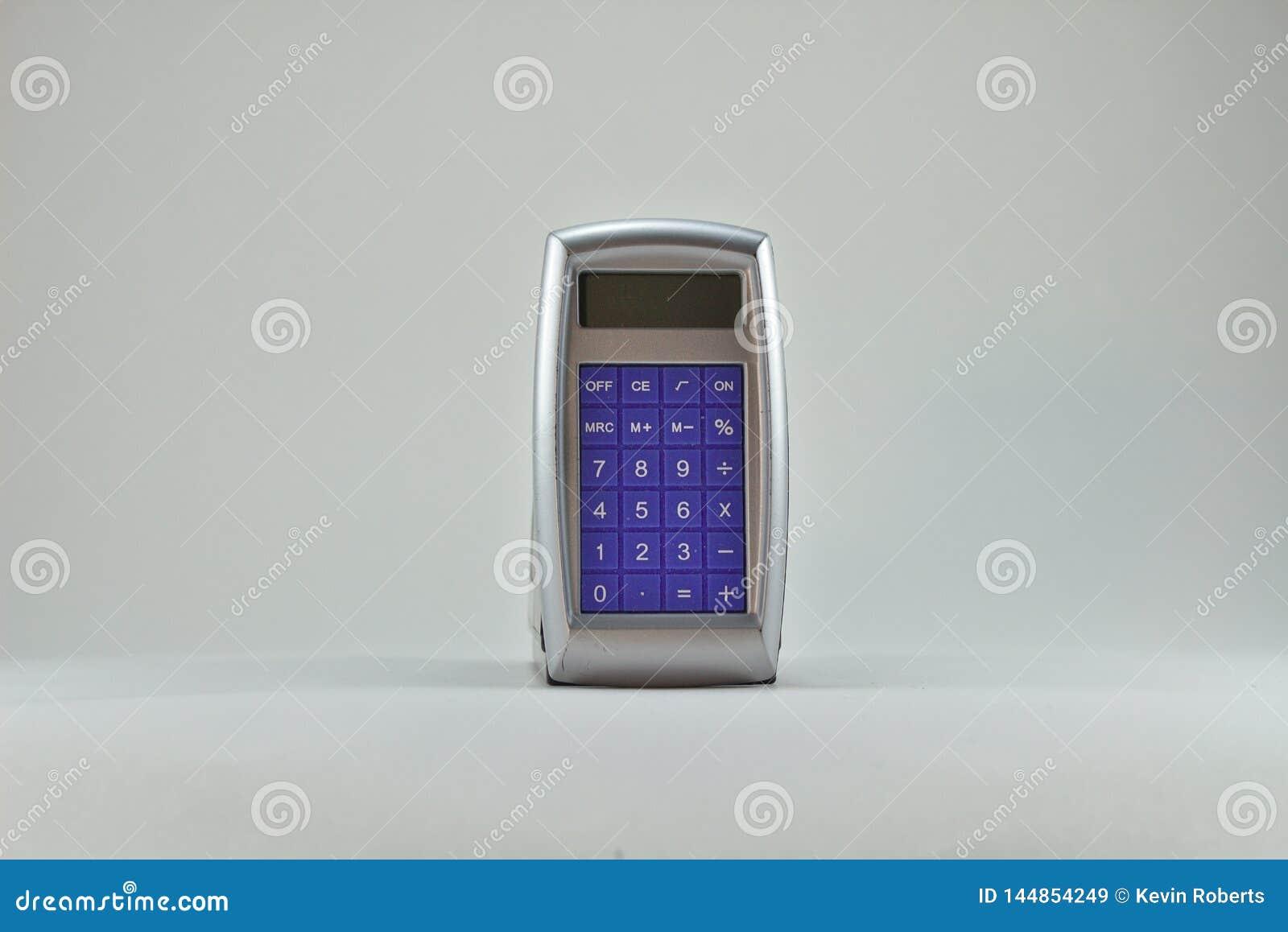 Frente azul de la calculadora vieja en 3141 de plata