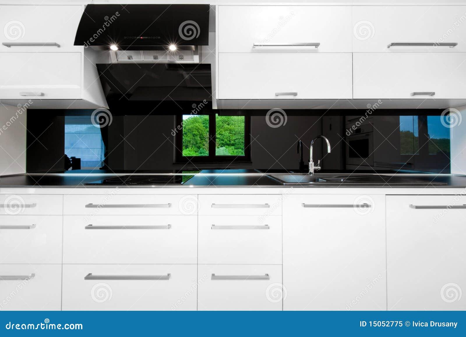 Cocina De Alta Tecnolog A De Lujo Blanca Con La Barra Front View  # Keuken Muebles De Cocina