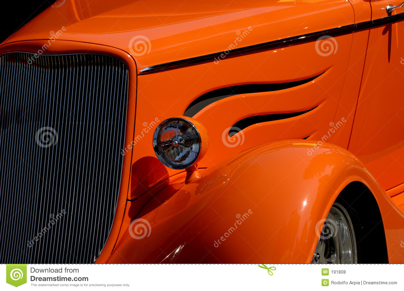 Frente del coche de la vendimia detalladamente