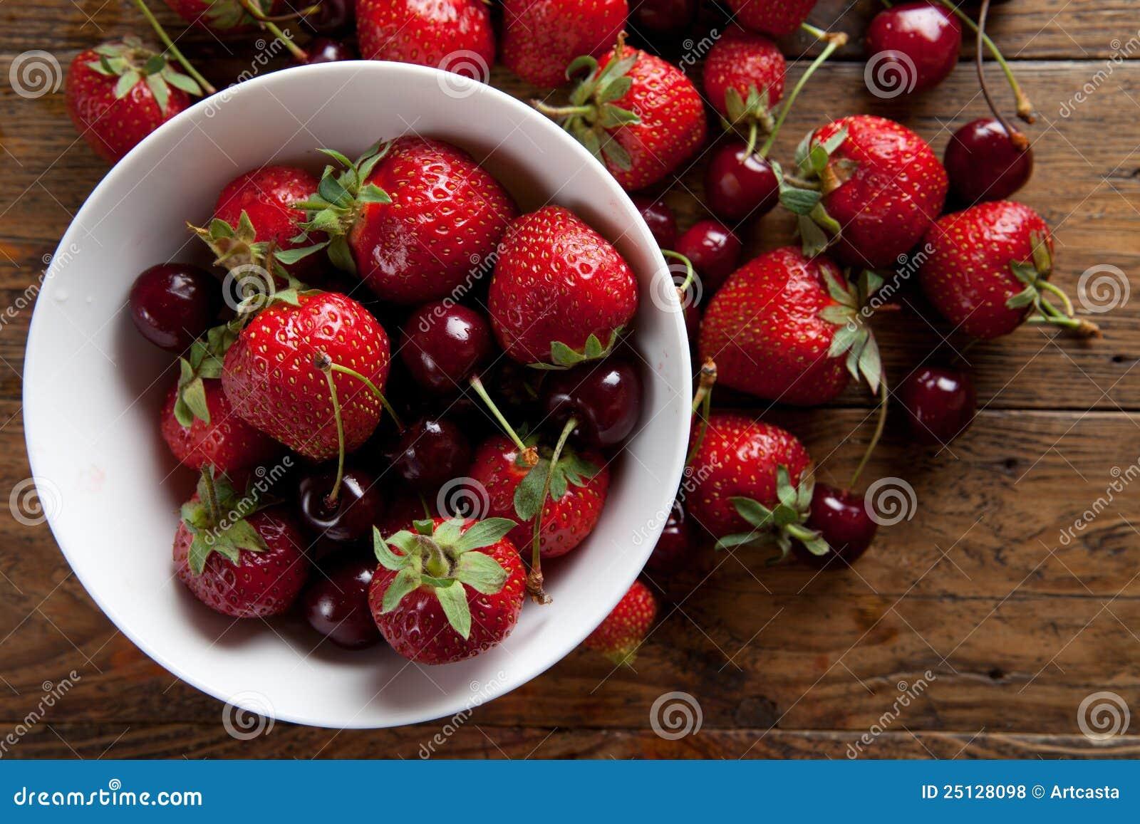 Fresas y cerezas