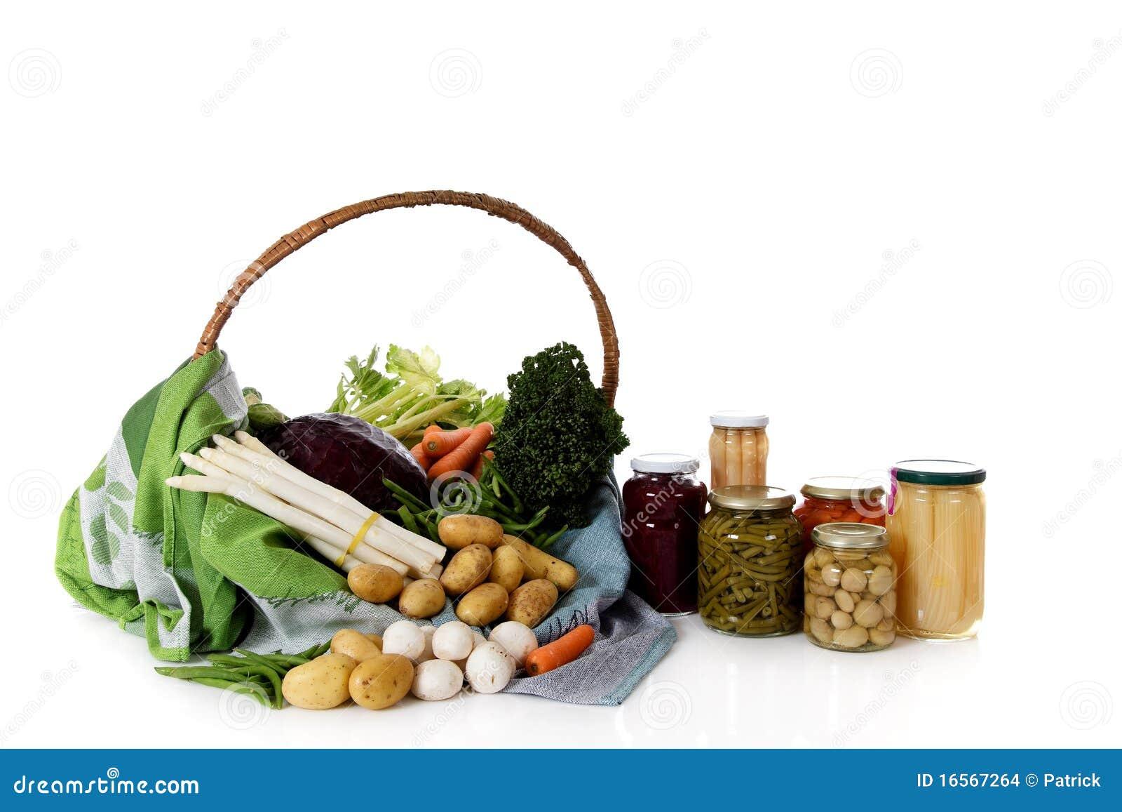 Fresco contro le verdure inscatolate