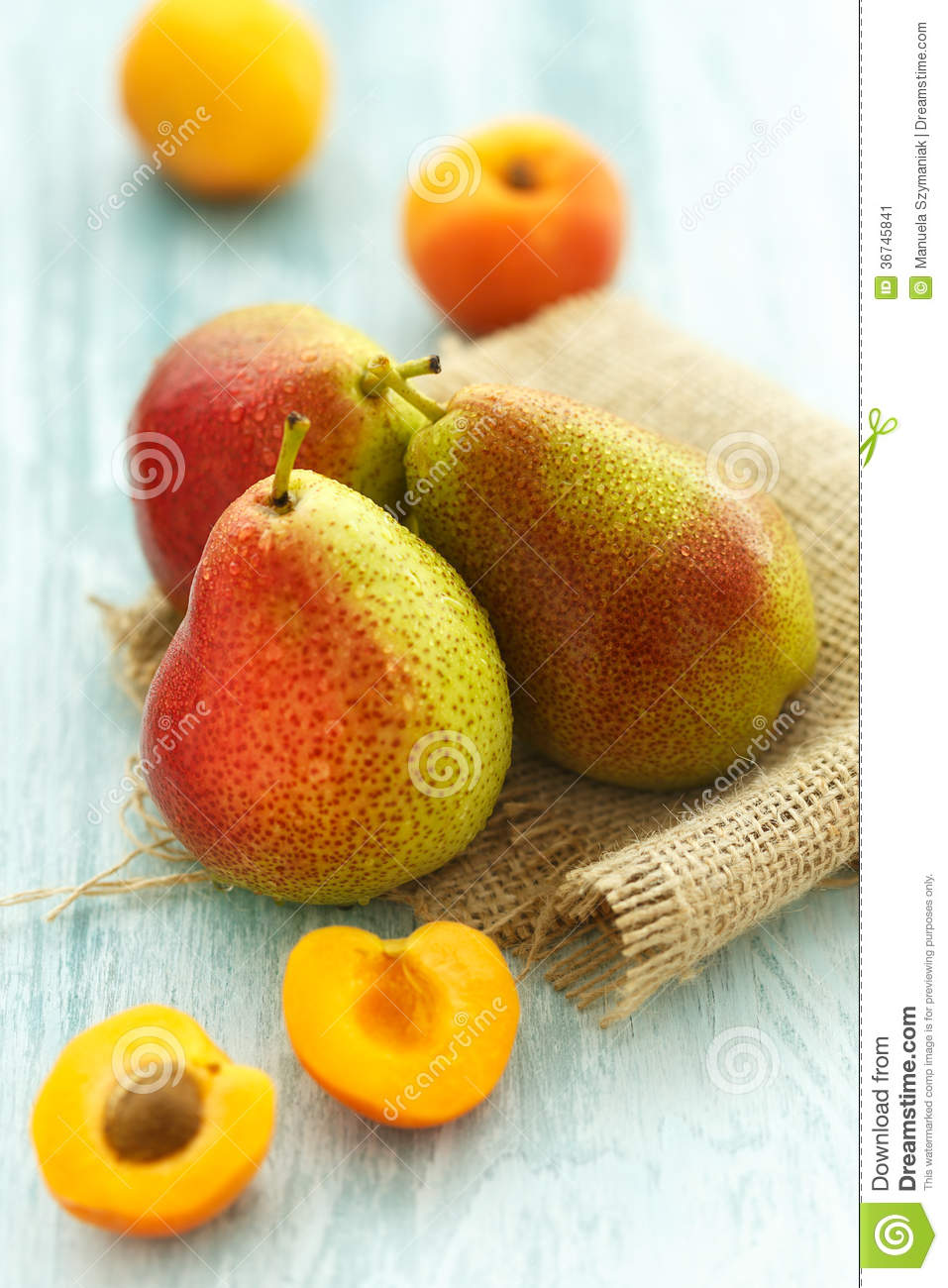 Fresh apricots and pears