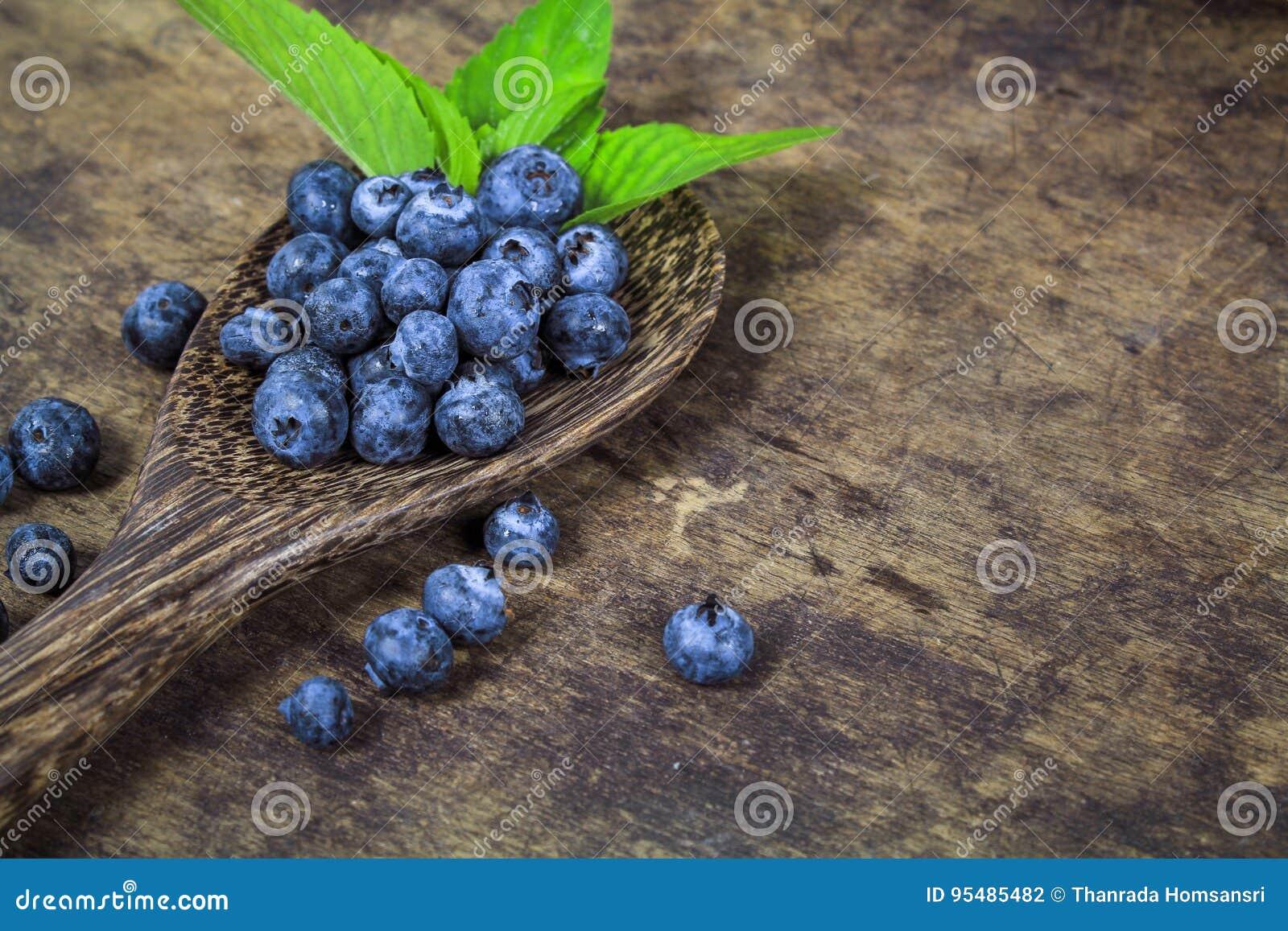 Fresh blueberry with leaf