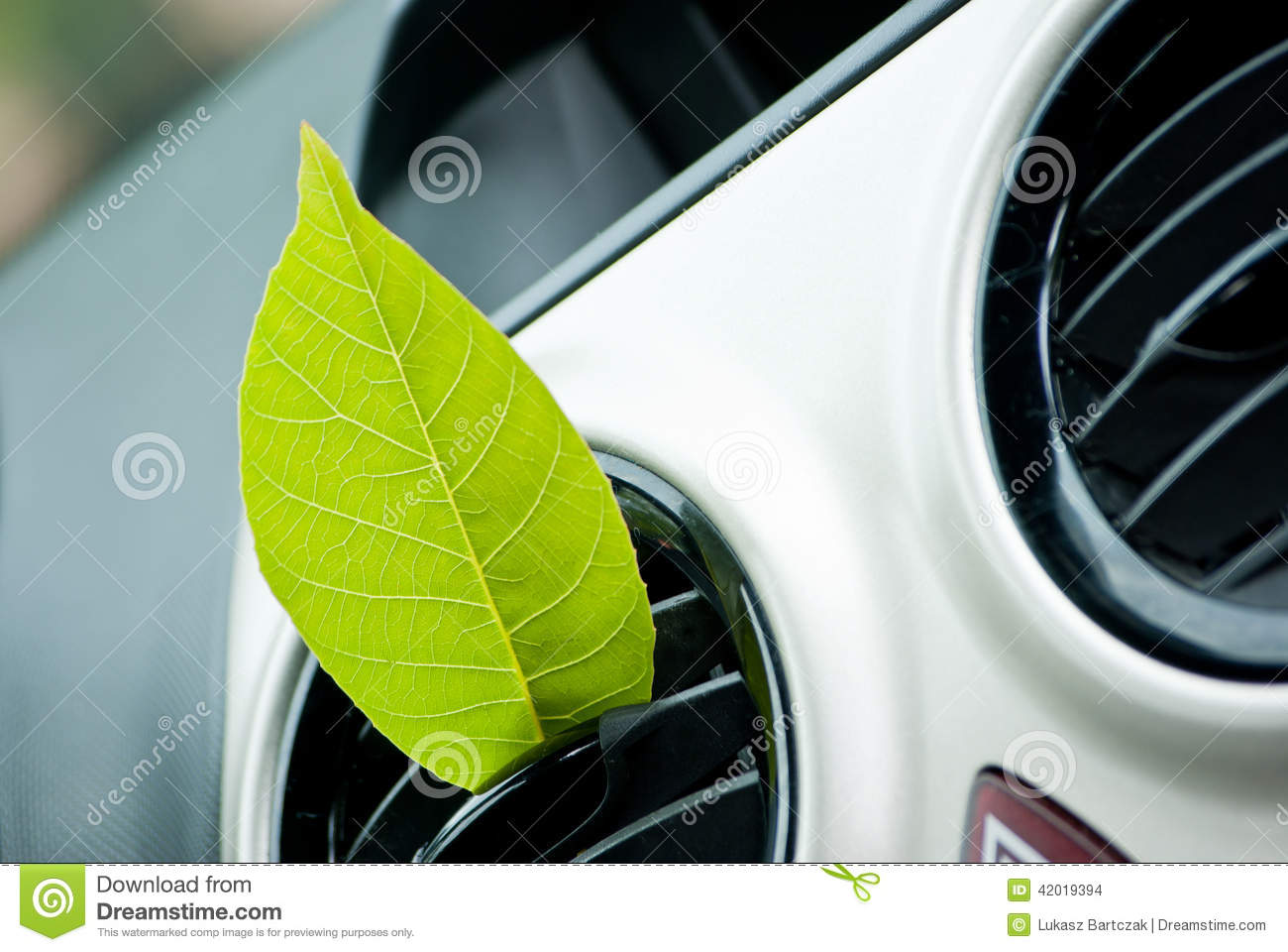 how to clean air condition in car
