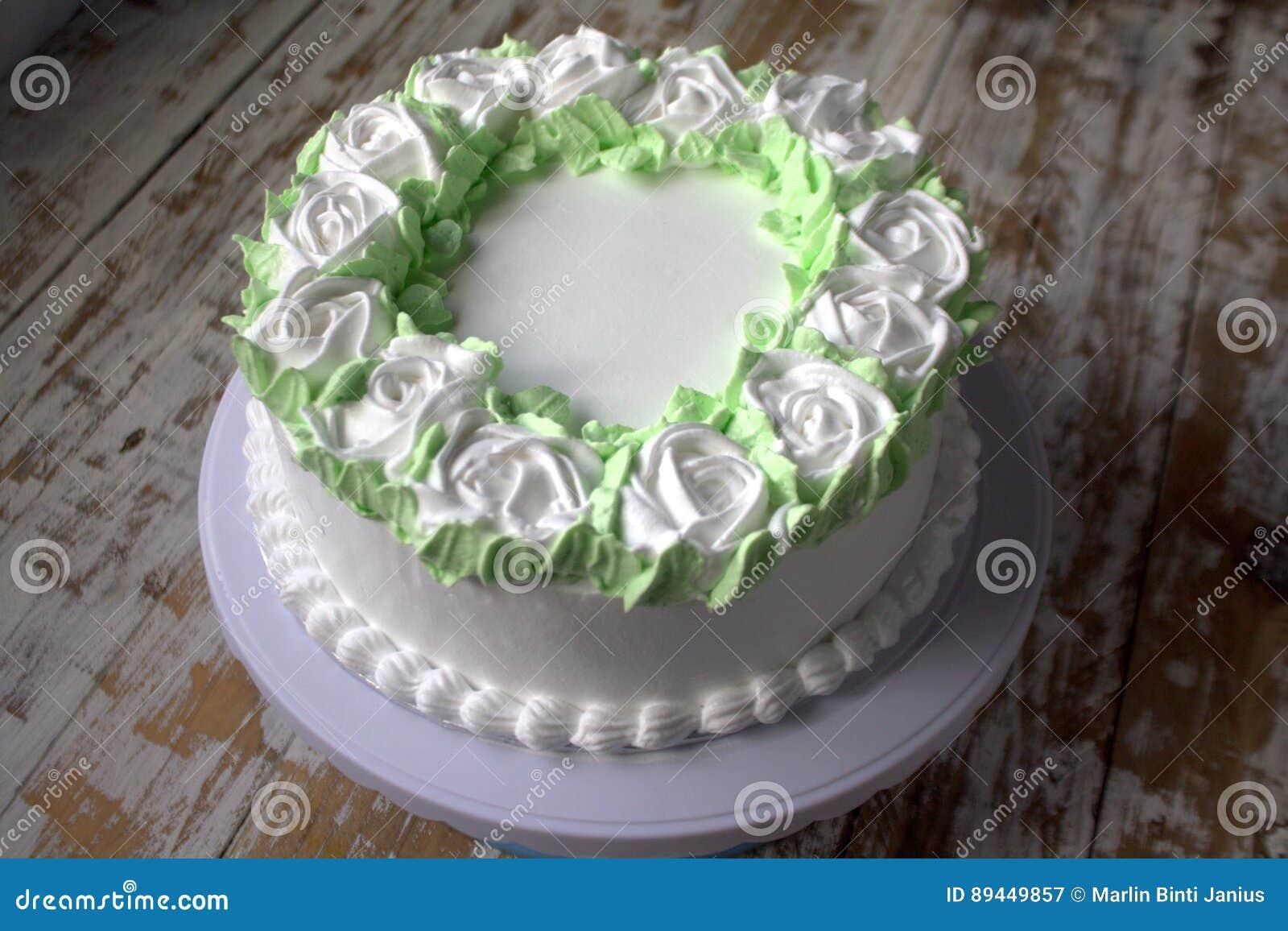 Fresh Cream Cake Stock Image Image Of Buttercream Cream 89449857