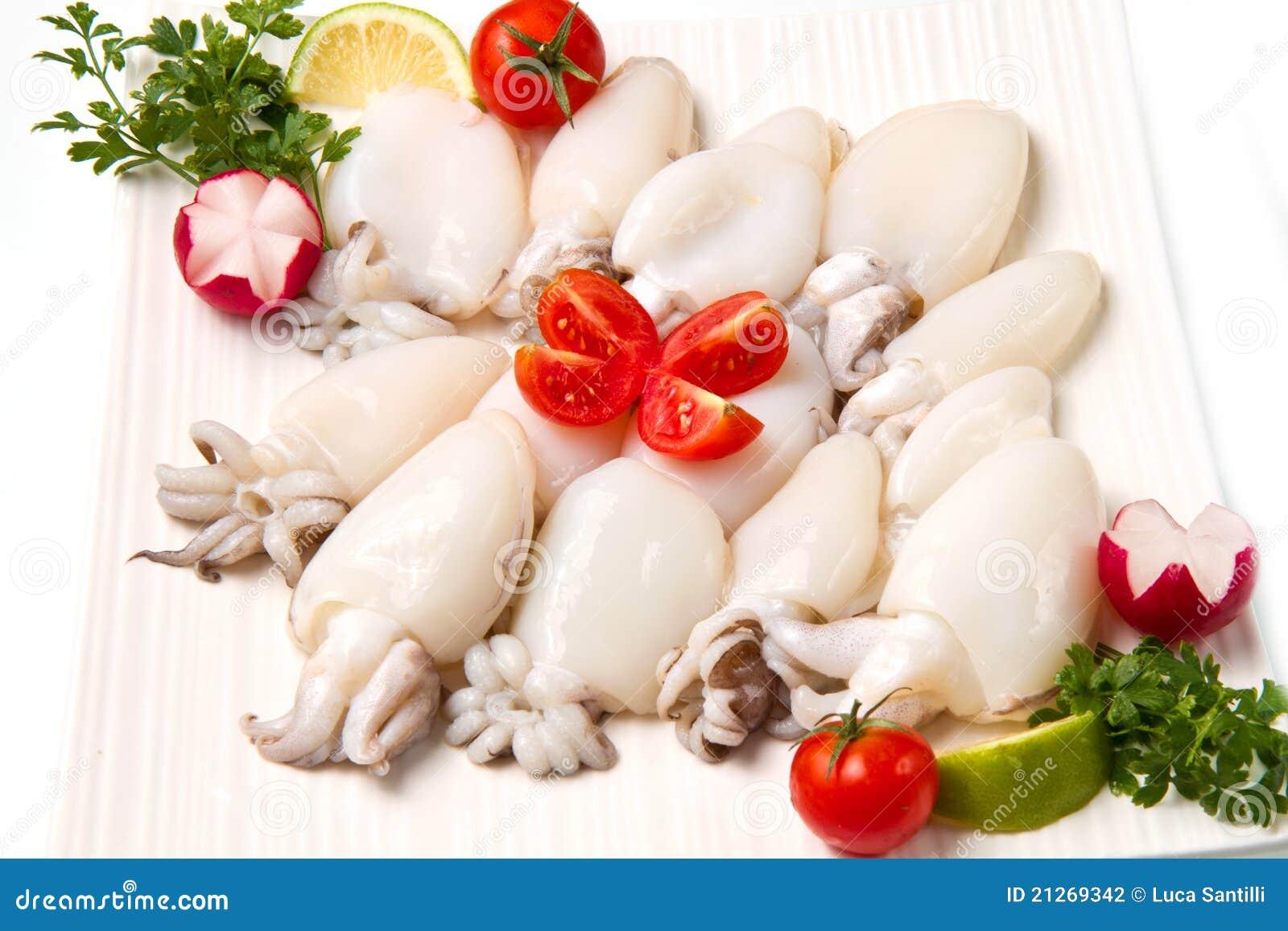 Fresh cuttlefish with peas