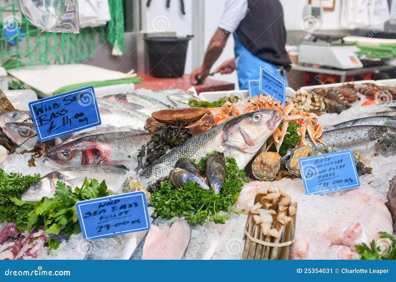 Fresh fish market stall stock image image 25354031 for Fresh fish market miami