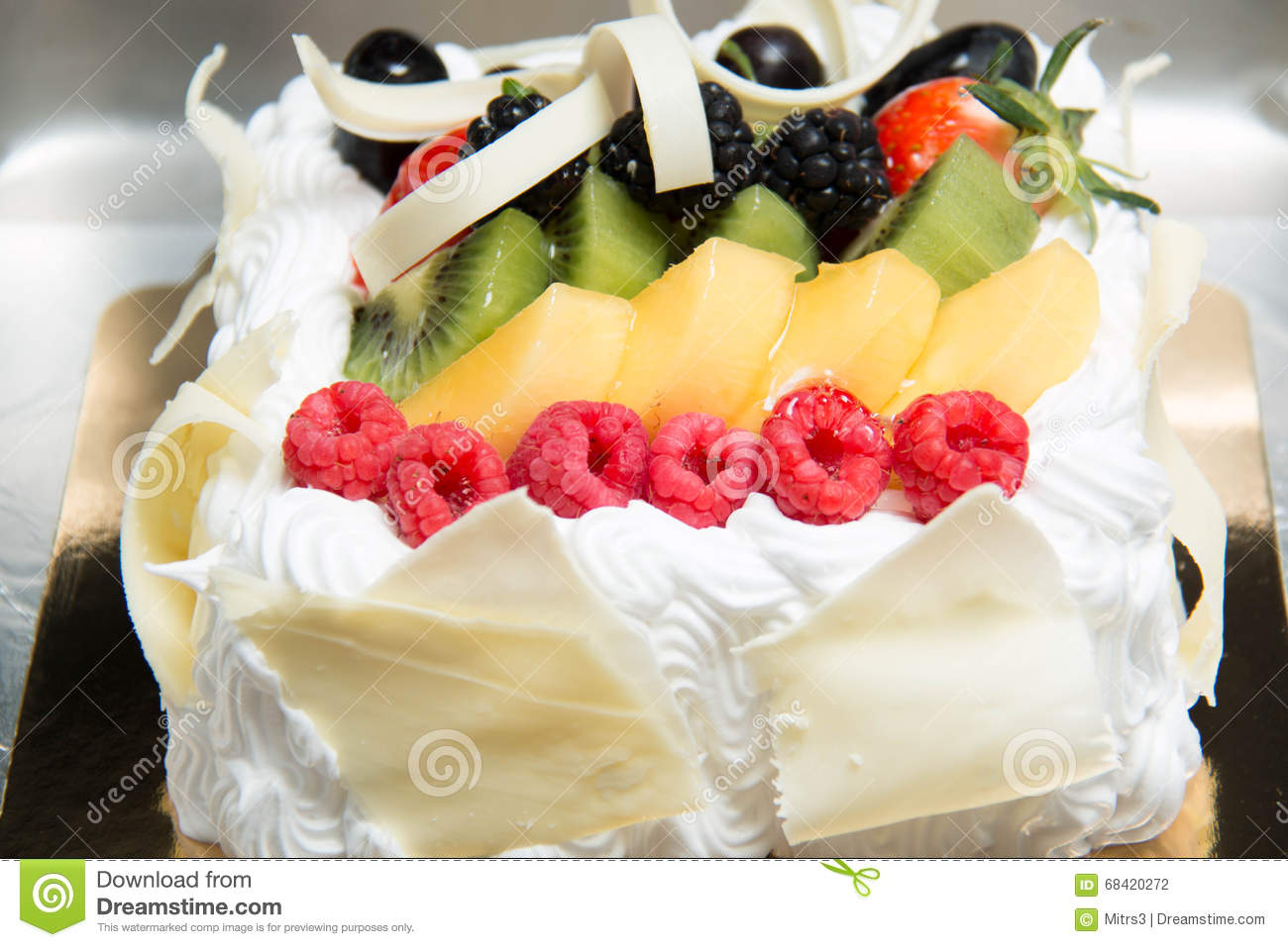 Fresh Fruit Flan Cake Stock Photo - Image: 68420272
