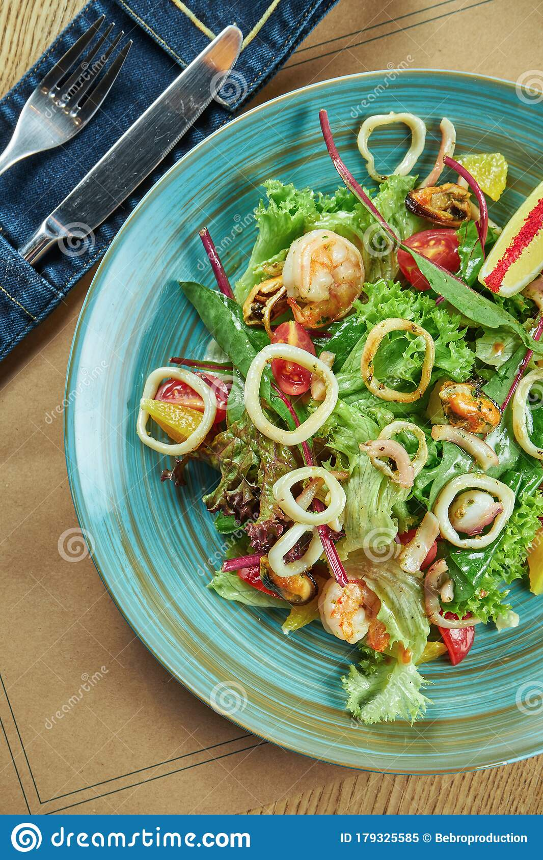 Fresh And Green Salad With Seafood ...