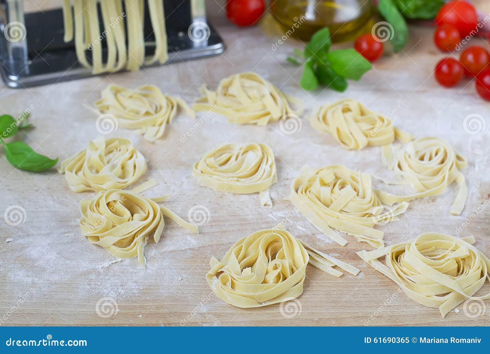 how to make fresh pasta with a pasta machine