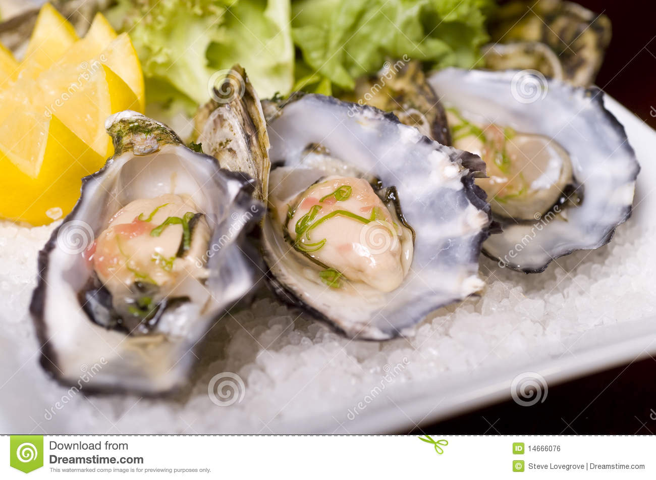 Fresh raw oysters - photo#27