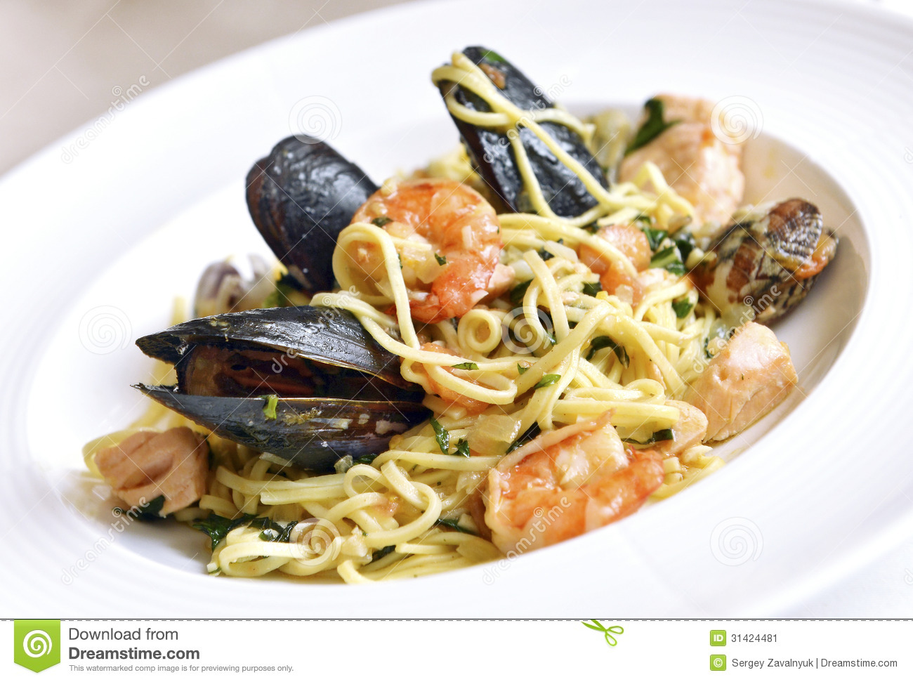 Fresh Pasta With Seafood Stock Image - Image: 31424481