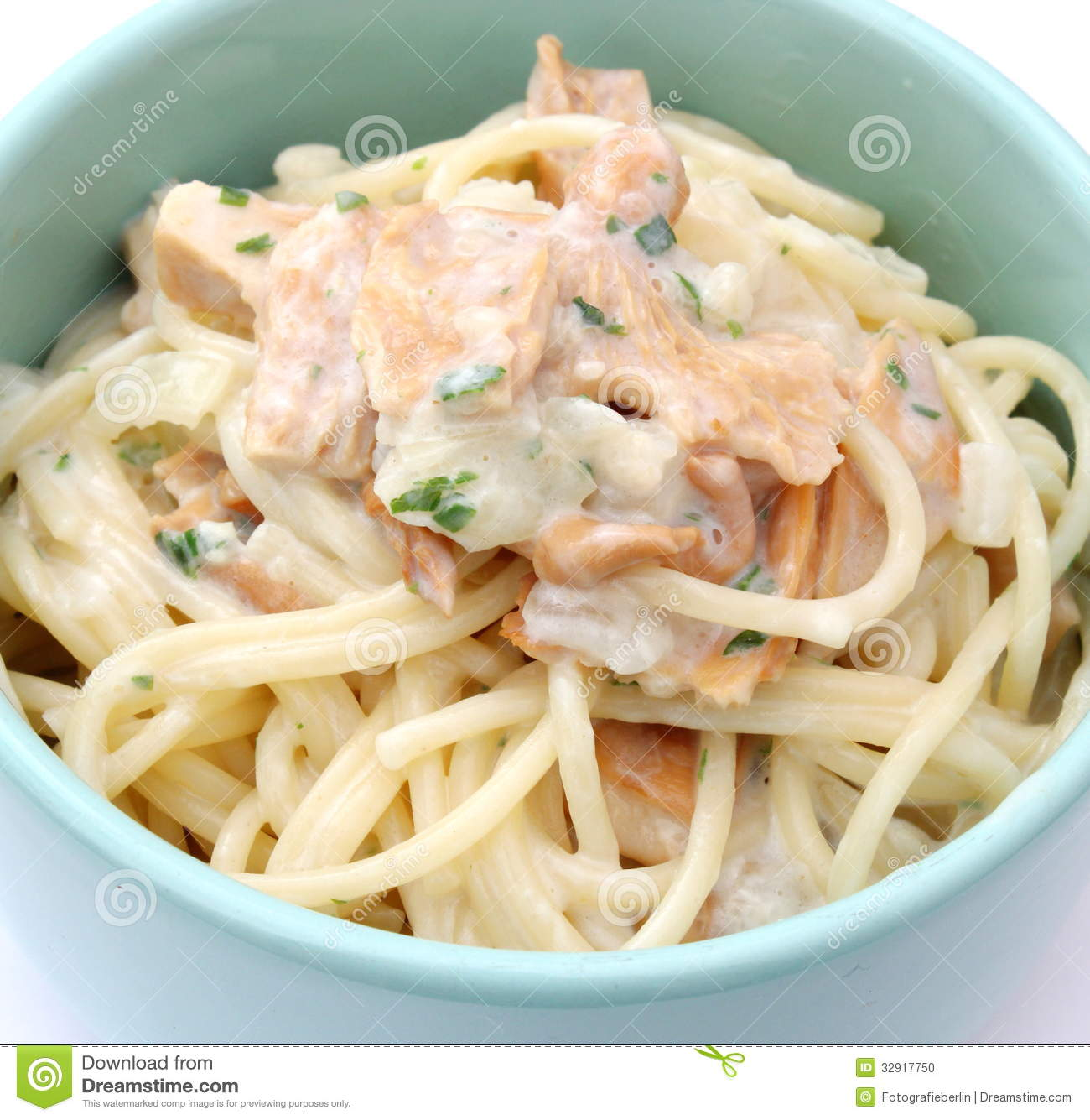 Fresh pasta with tuna fish stock photo image 32917750 for Tuna fish pasta