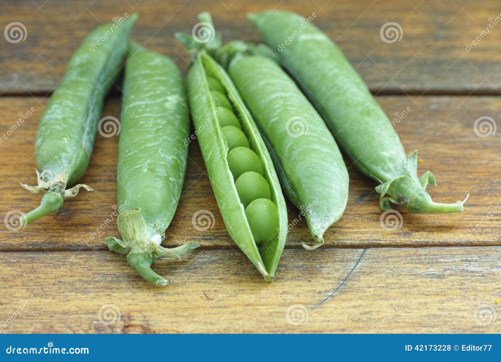 Fresh pea pods