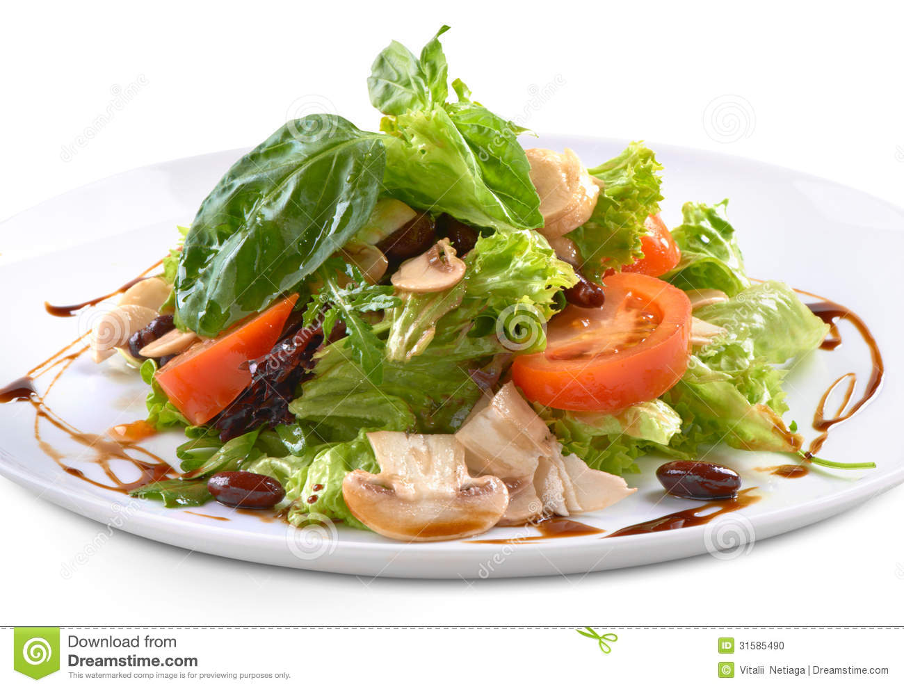 Fresh salad with mushrooms and lettuce.