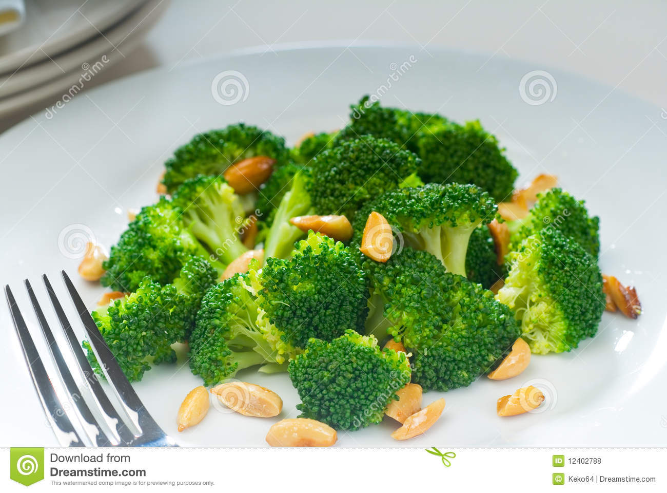 Fresh Sauteed Broccoli And Almonds Royalty Free Stock Photos - Image ...