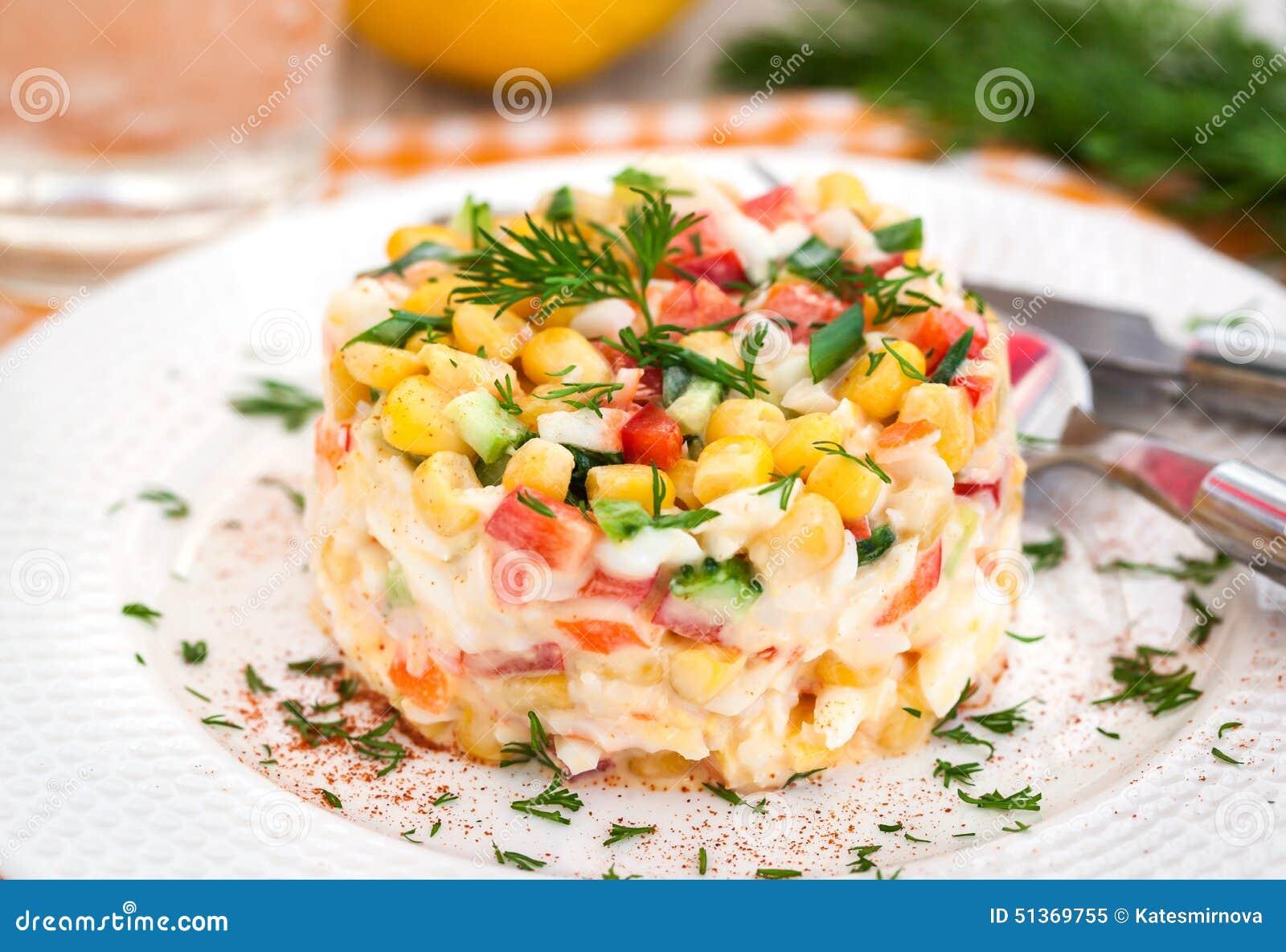 Салат из крабовых палочек и огурцов рецепт с