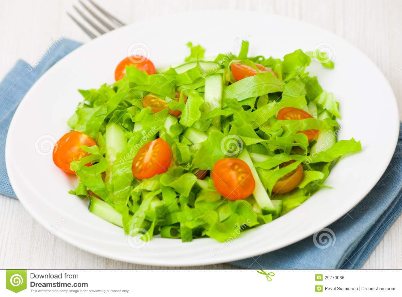 Fresh Vegetable Salad With Lettuce Tomato And Cuber Royalty Free Stock Image