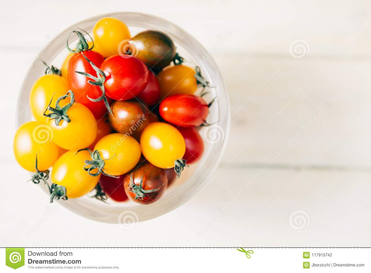 Why are the tomatoes inside white Why do tomatoes have white flesh
