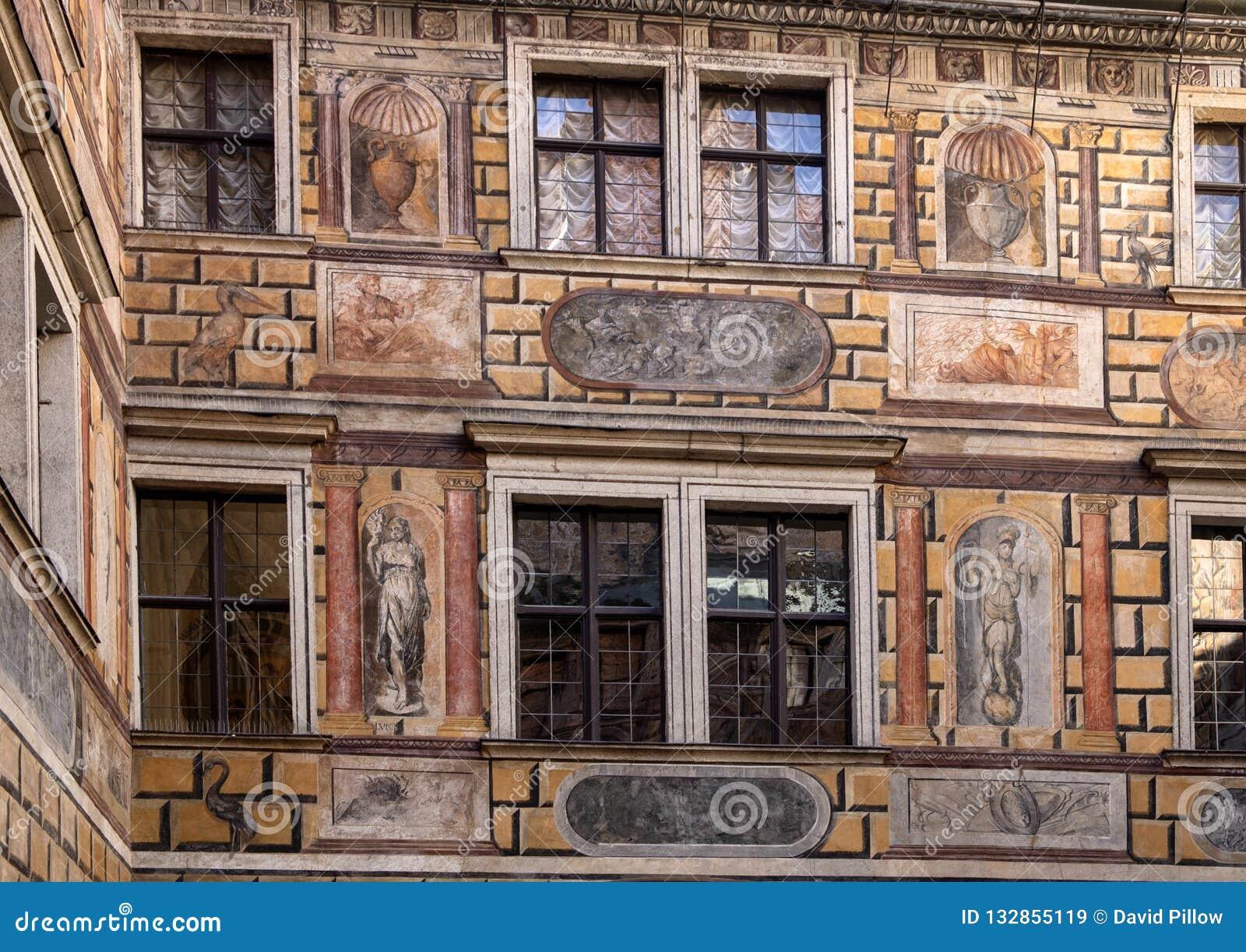 Fresko in een binnenplaats, het Kasteel van Cesky Krumlov, Tsjechische Republiek