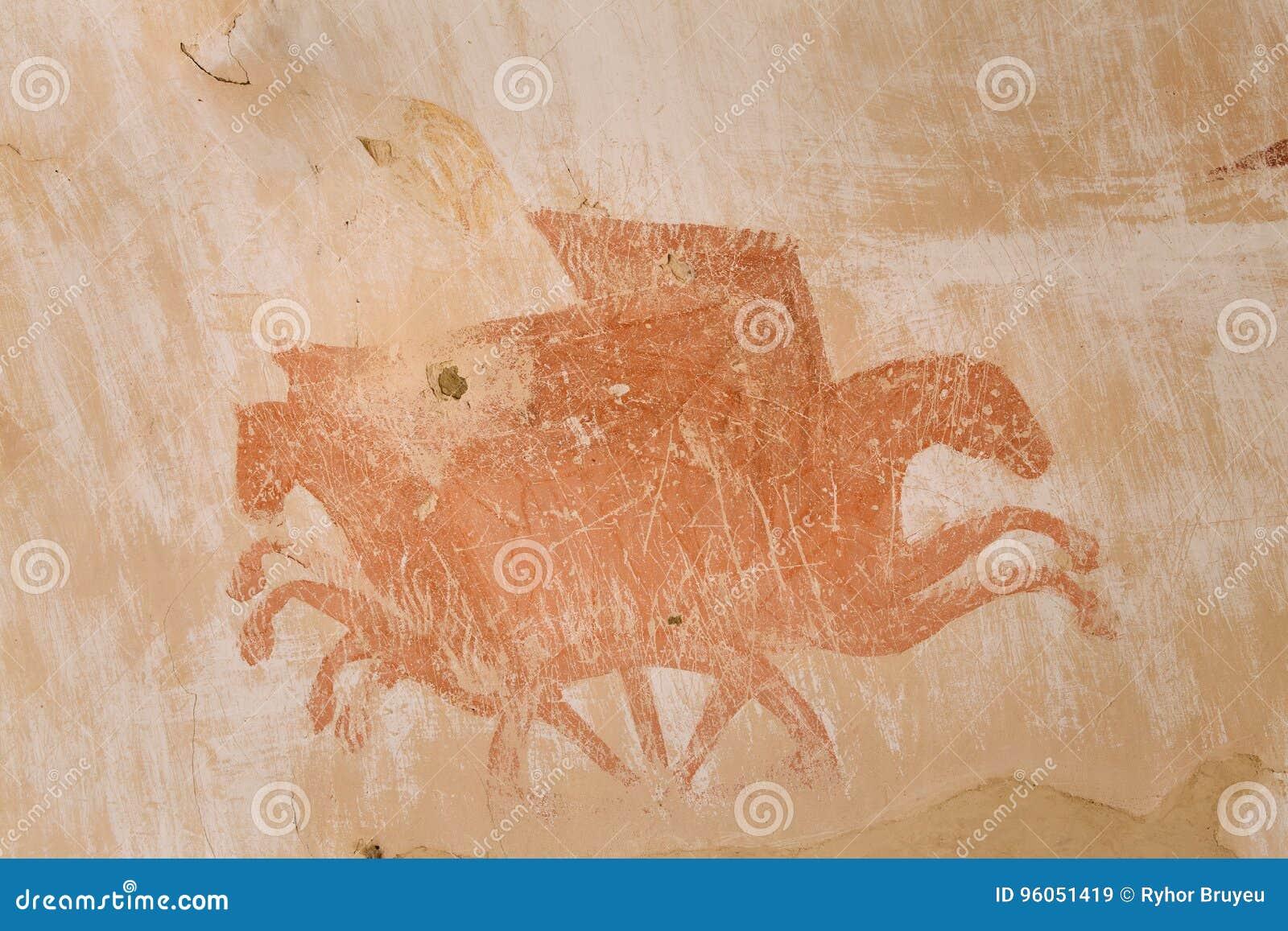 Fresques antiques dans des murs des cavernes de David Gareja Monastery Complex