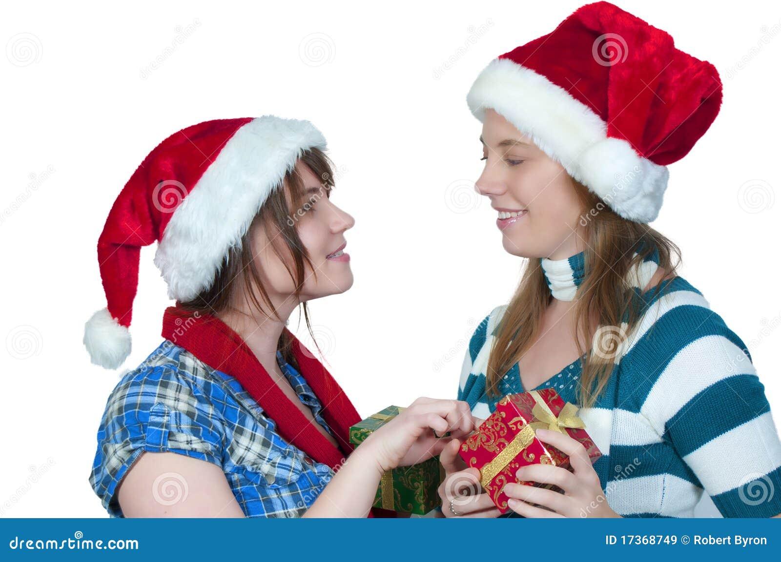 Freunde, Die Geschenke Austauschen Stockbild - Bild von freunde ...
