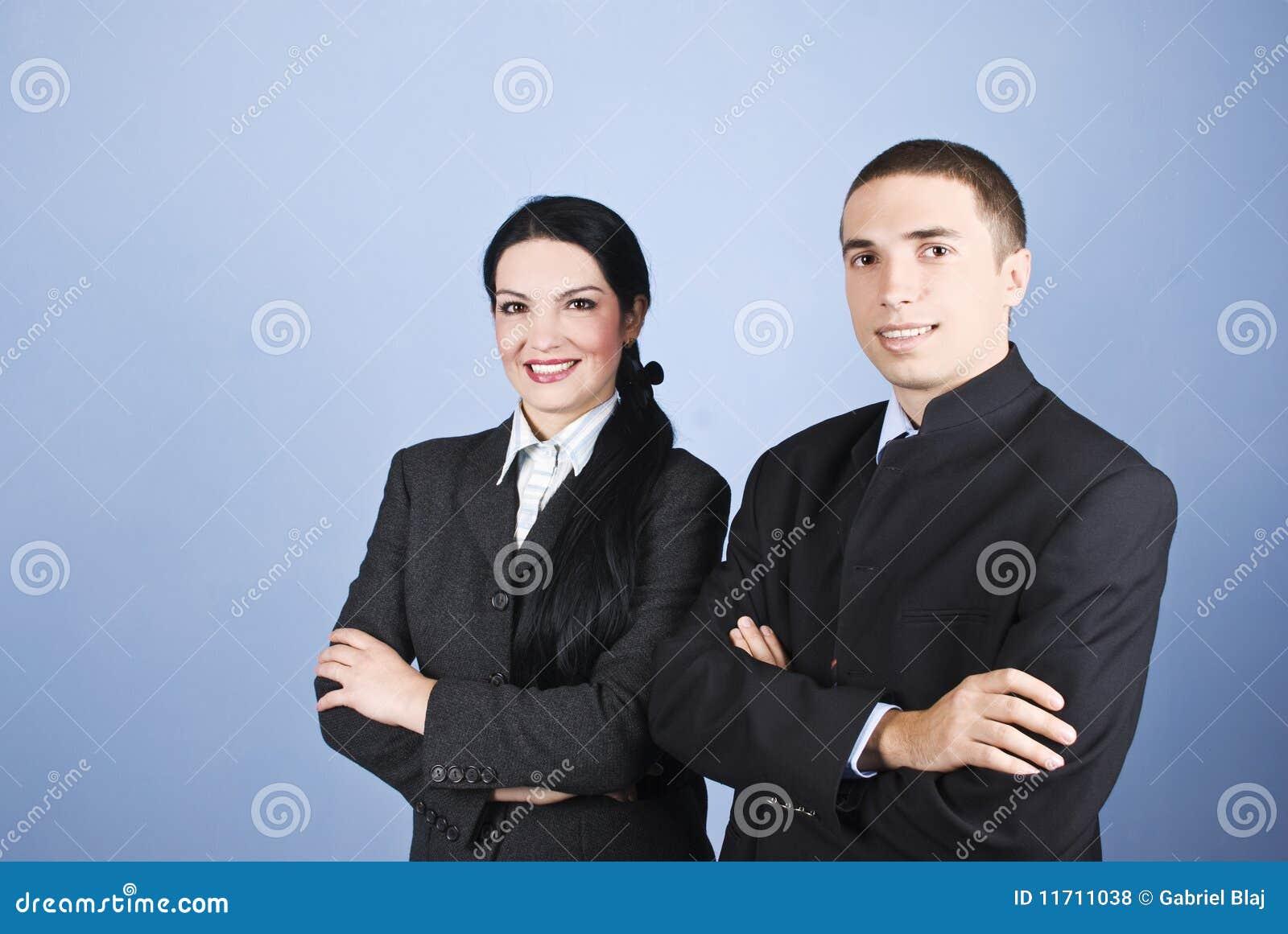 Freundliche zwei Geschäftsleute