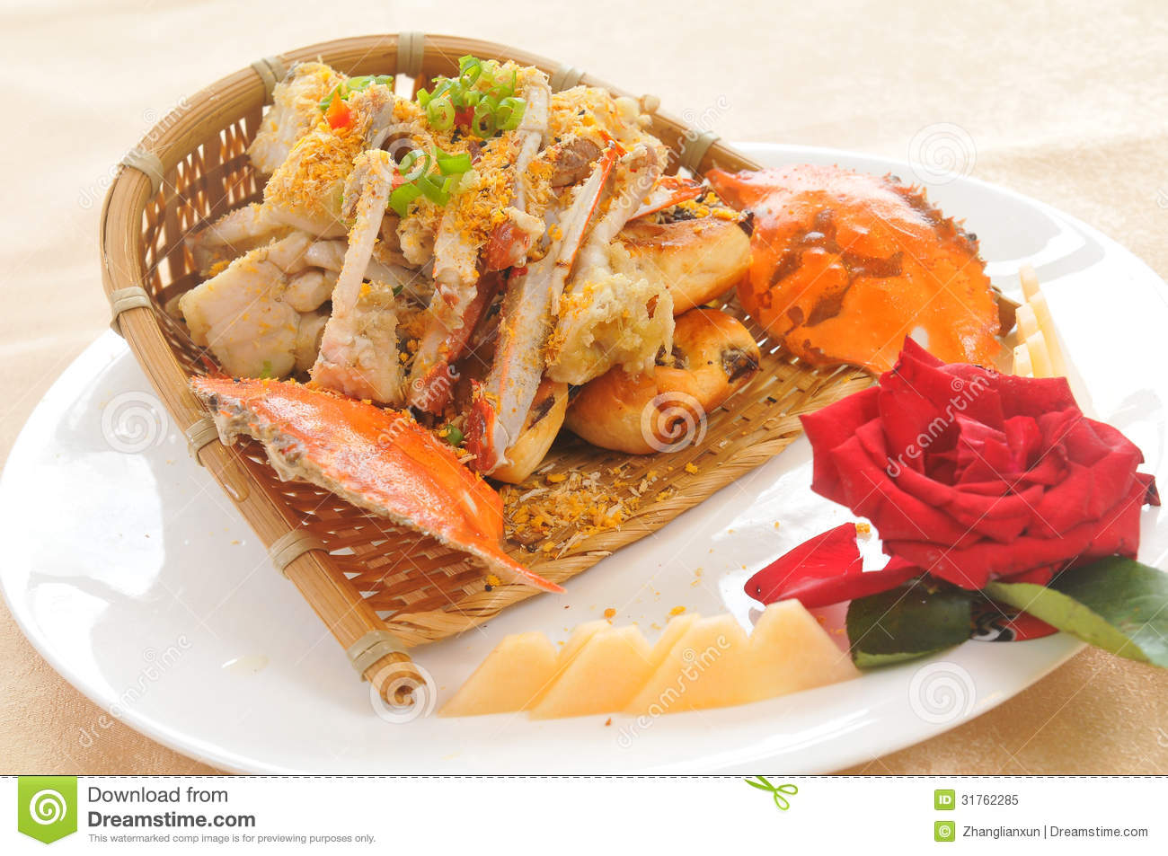 how to eat fried crab