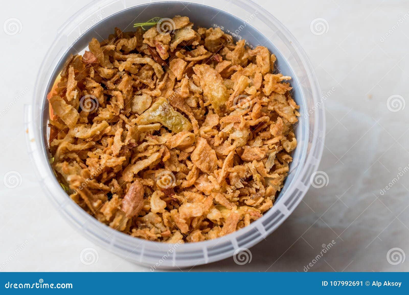 Fried Crispy Onion Flakes i plast- packebunke