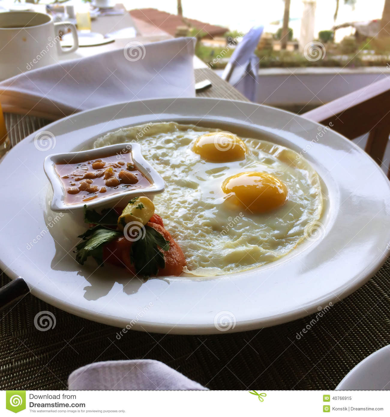 Fried Egg and Bacon Plate Fake Food - FAKE FOOD ...  |Fried Eggs On A Plate