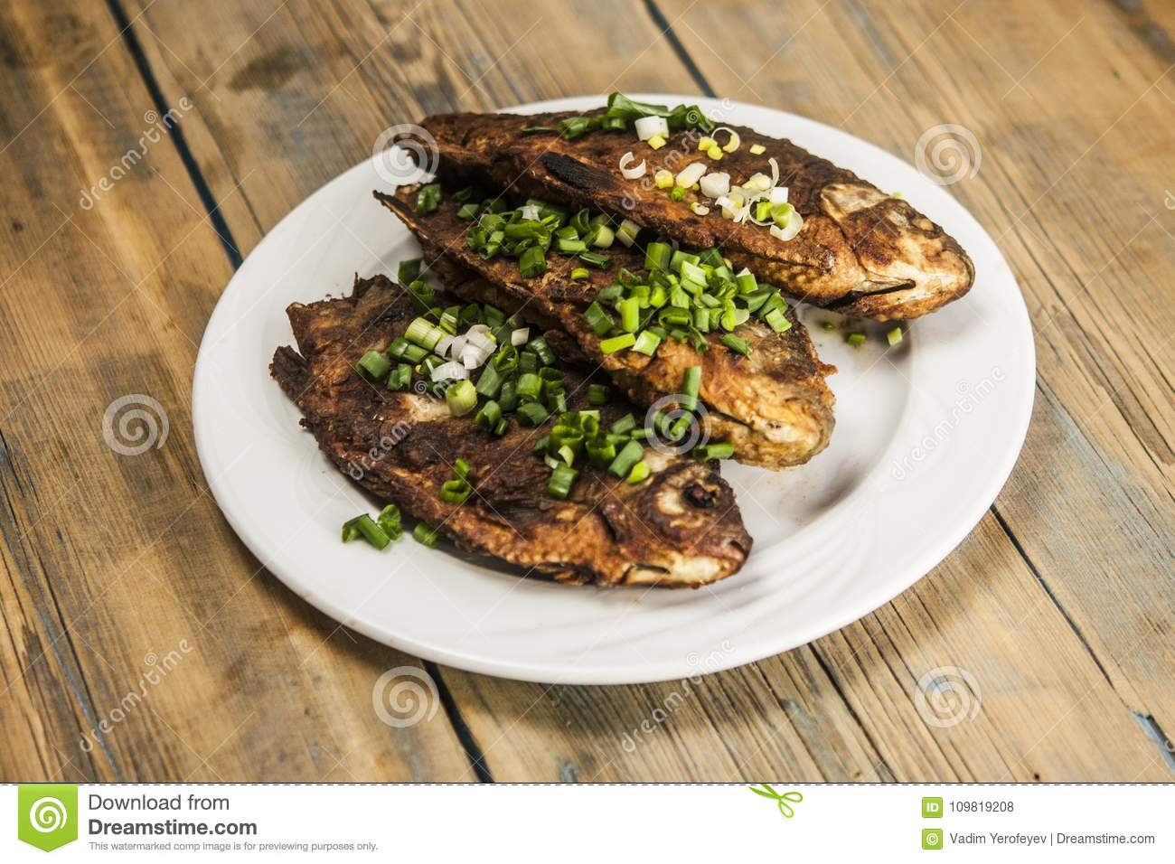 How to cook a crucian Carp roasted, baked, in sour cream - recipes, photos 45