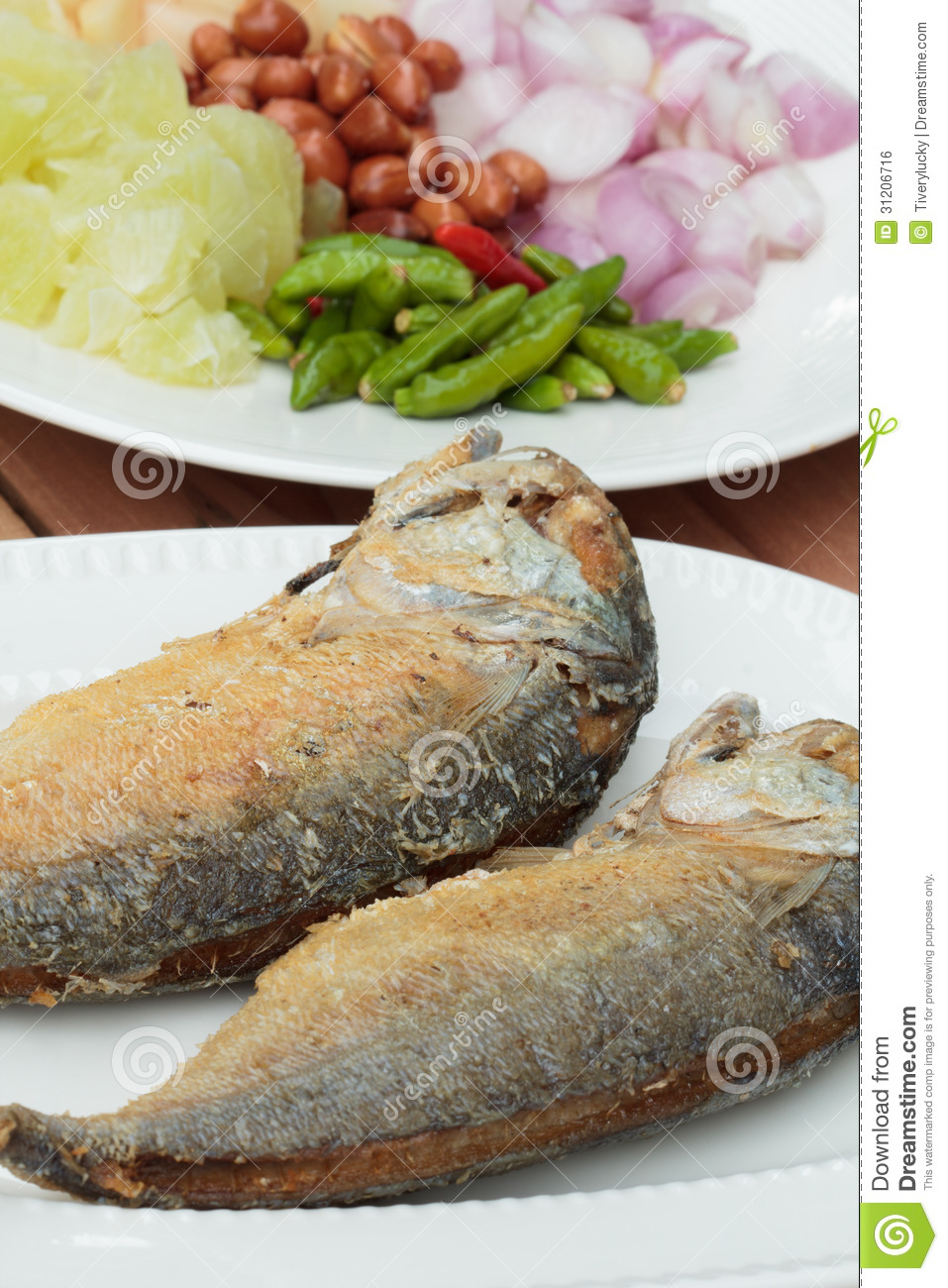 Fried fish royalty free stock image image 31206716 for Side dishes for fried fish