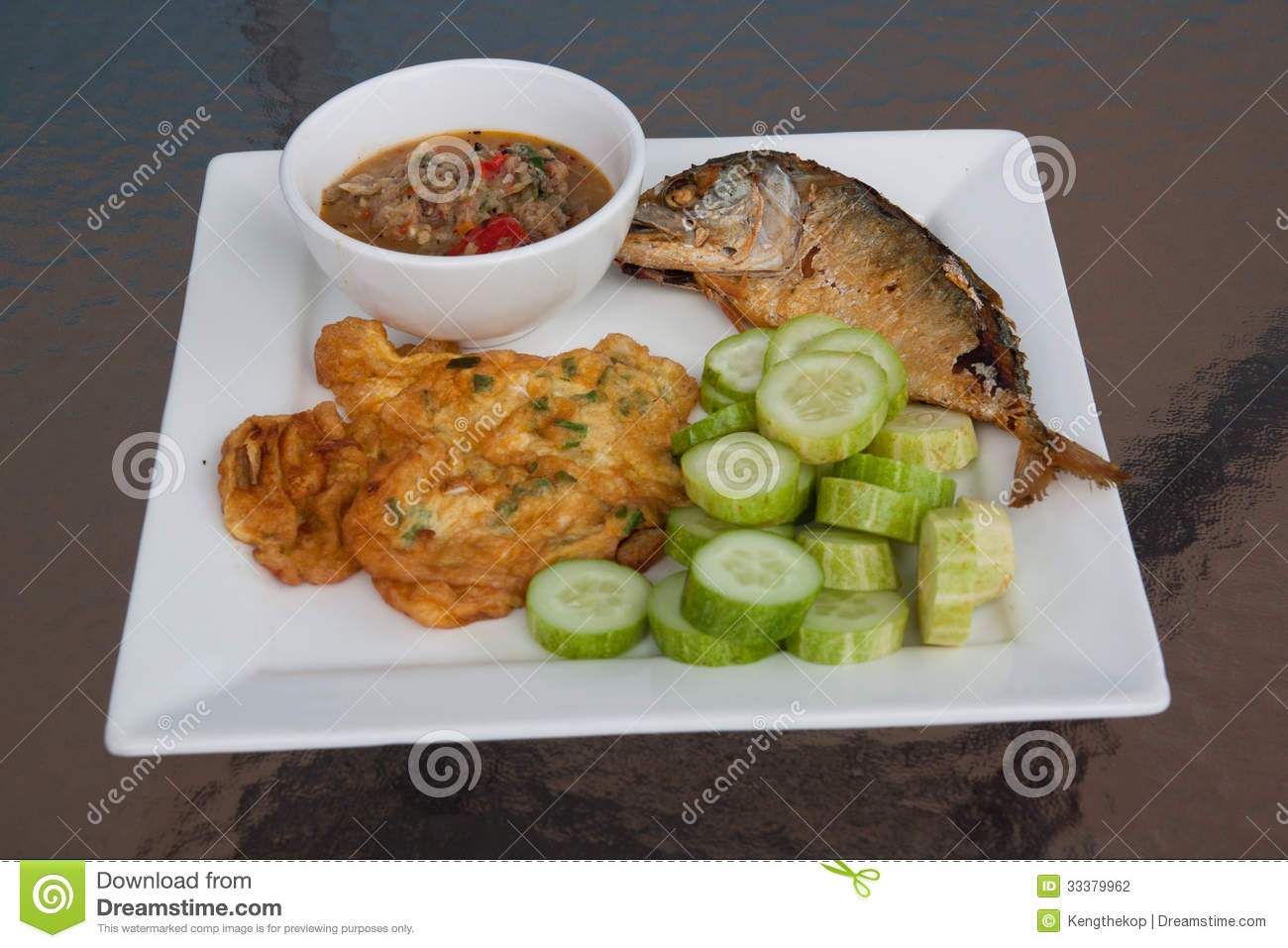 Fried fish on the table stock photography image 33379962 for What to eat with fried fish