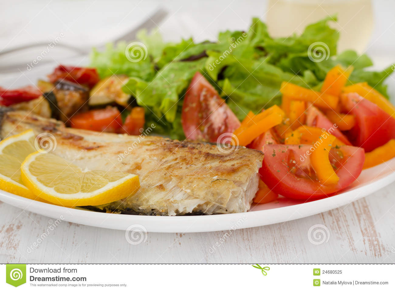 Fried fish with vegetables royalty free stock photo for What vegetables go with fish