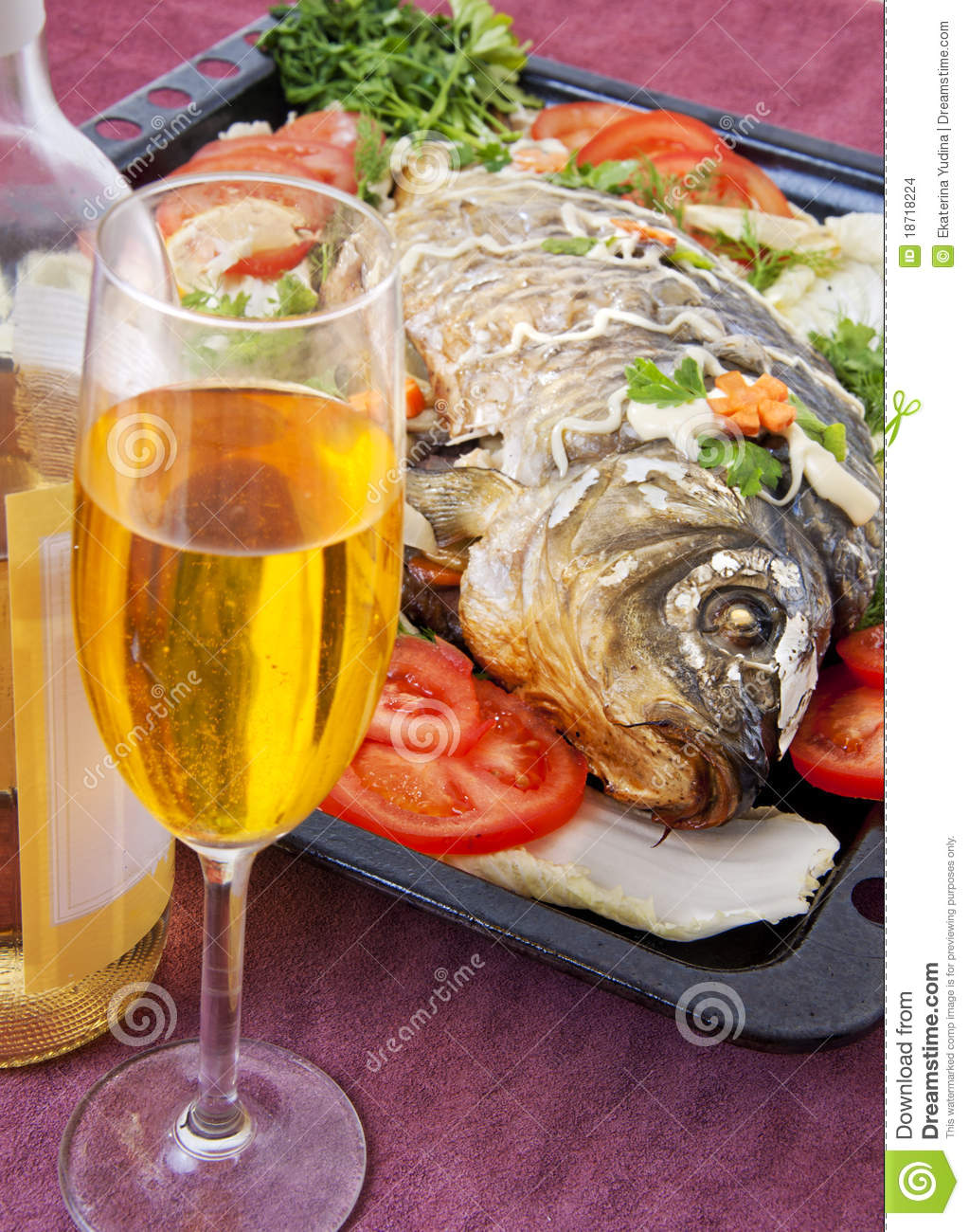 Fried fish with vegetables and white wine stock images for White wine with fish