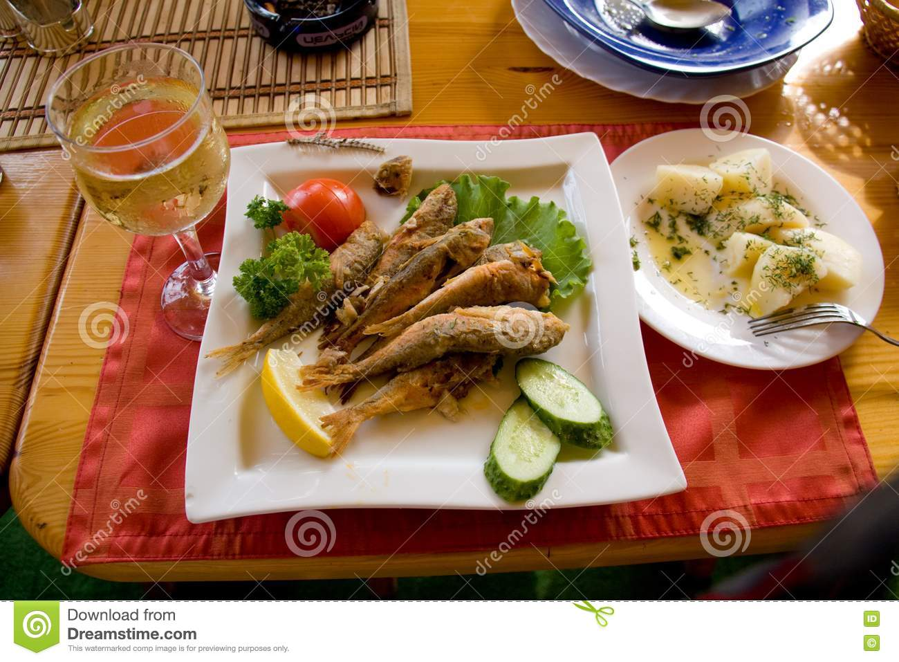 Fried fish and white wine stock images image 10139964 for White wine with fish