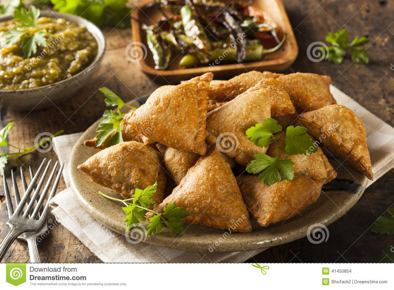Fried Indian Samosas fait maison