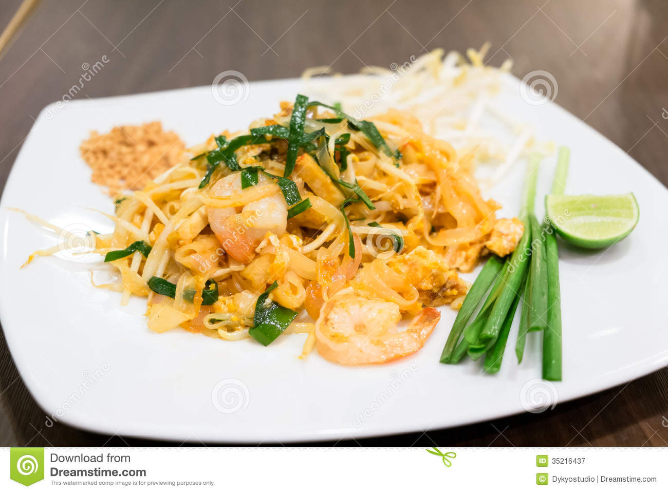 ... Pad Thai Goong Sod), thin rice noodles fried with tofu, vegetable, egg
