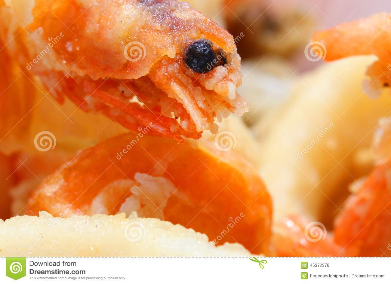 Fried shrimp with macro lens and other fried fish