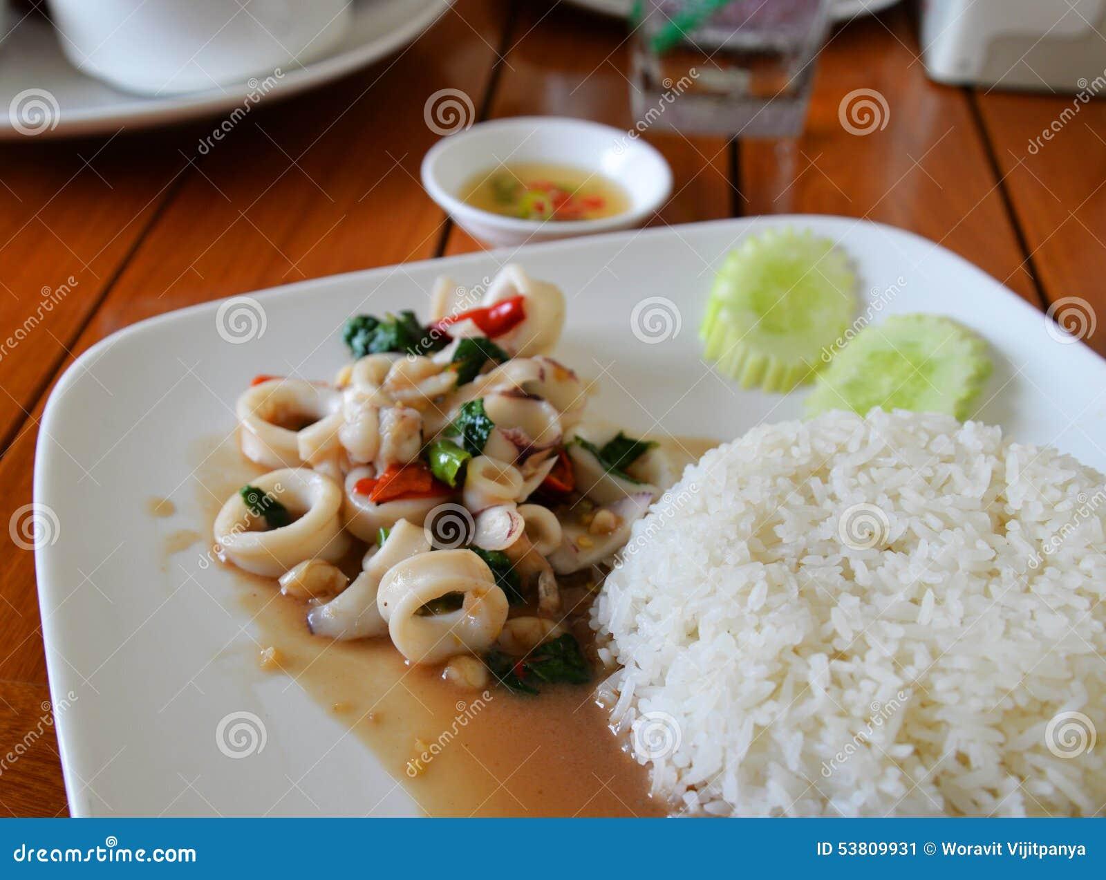thai basil squid recipes dishmaps collins thai basil squid squid ...
