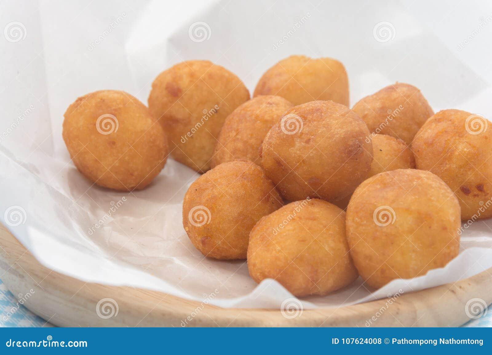 Fried Sweet Potato Balls de plat