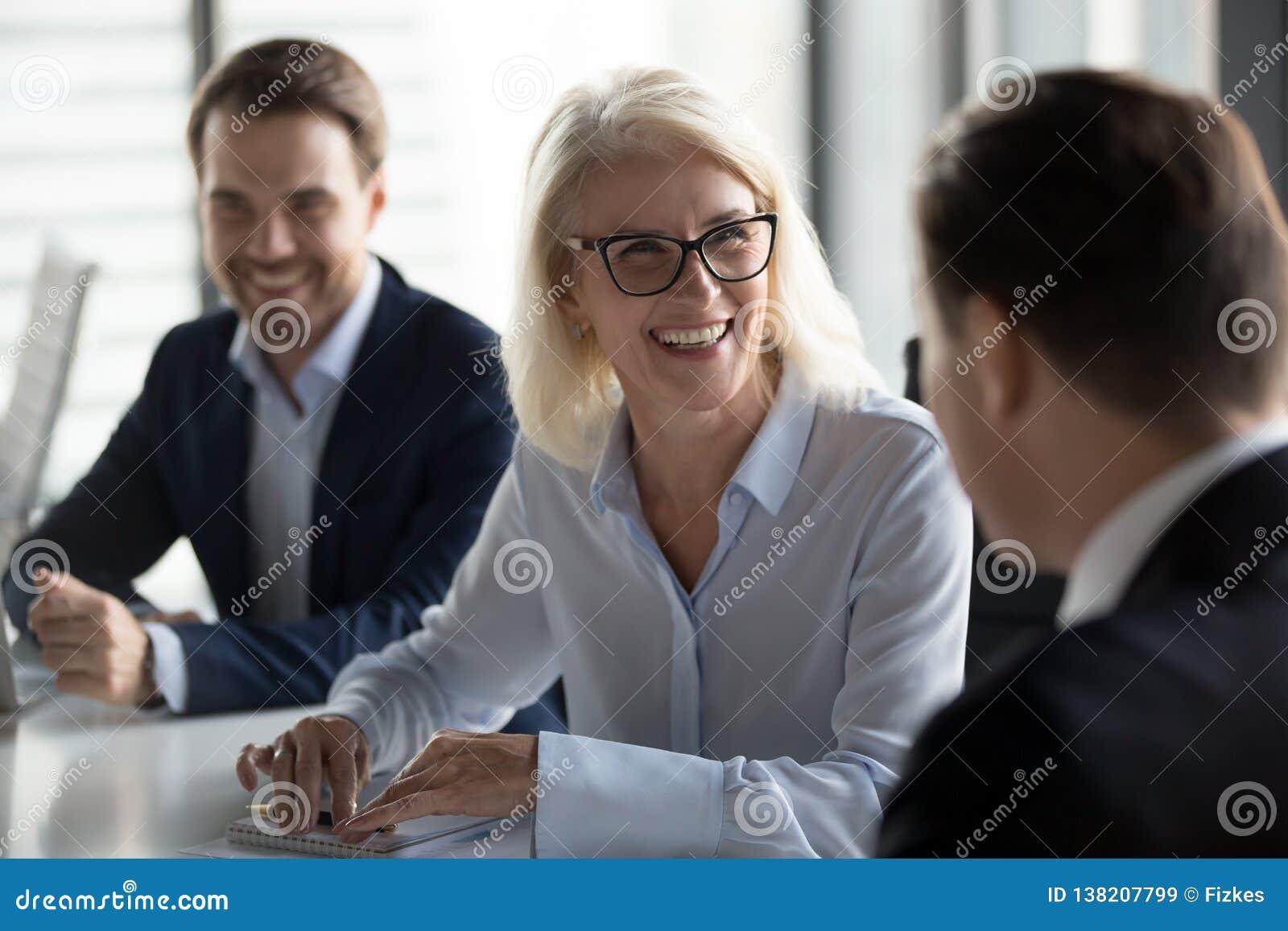 free friendly nyugdíjasok meeting
