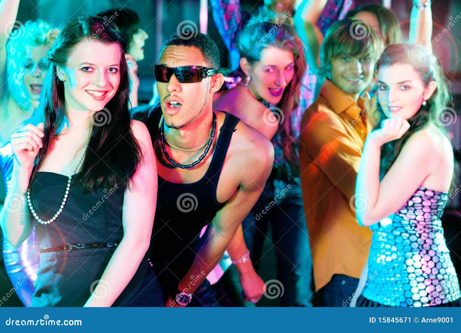 Фото конкурсов в ночных клубах 23 фотография