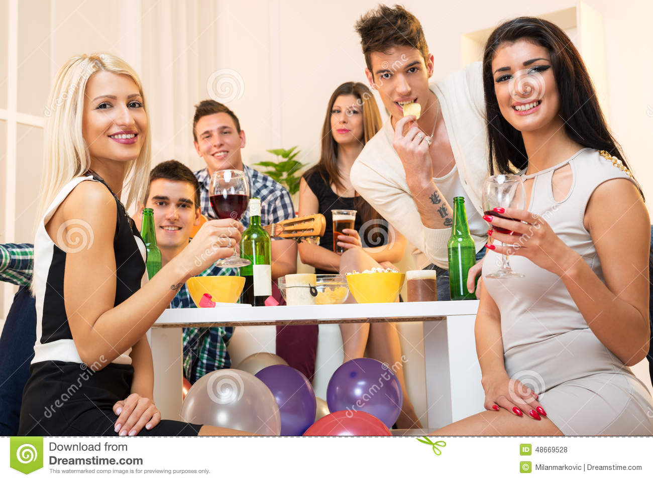People Partying At A House | www.imgkid.com - The Image ...