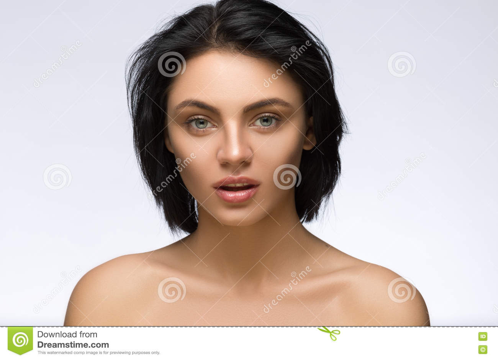 Fringe Fashion Model Girl With Trendy Hairstyle Haircut Stylish - Haircut girl model